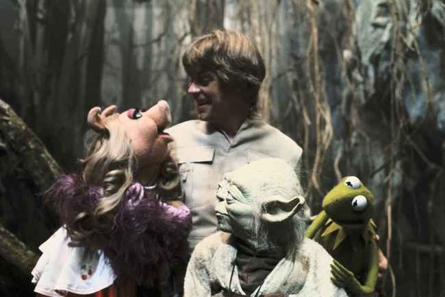 Luke Skywalker & the Muppets Behind the Scenes