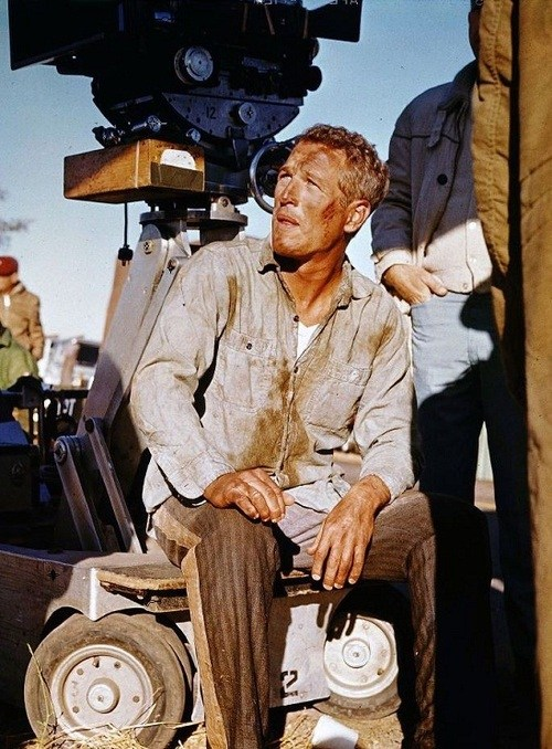 Paul Newman takes a break Behind the Scenes