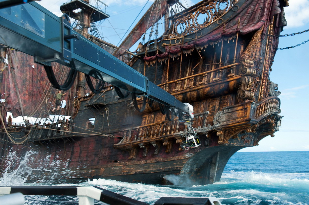 Pirates of the Caribbean: On Stranger Tides Behind the Scenes Photos & Tech Specs