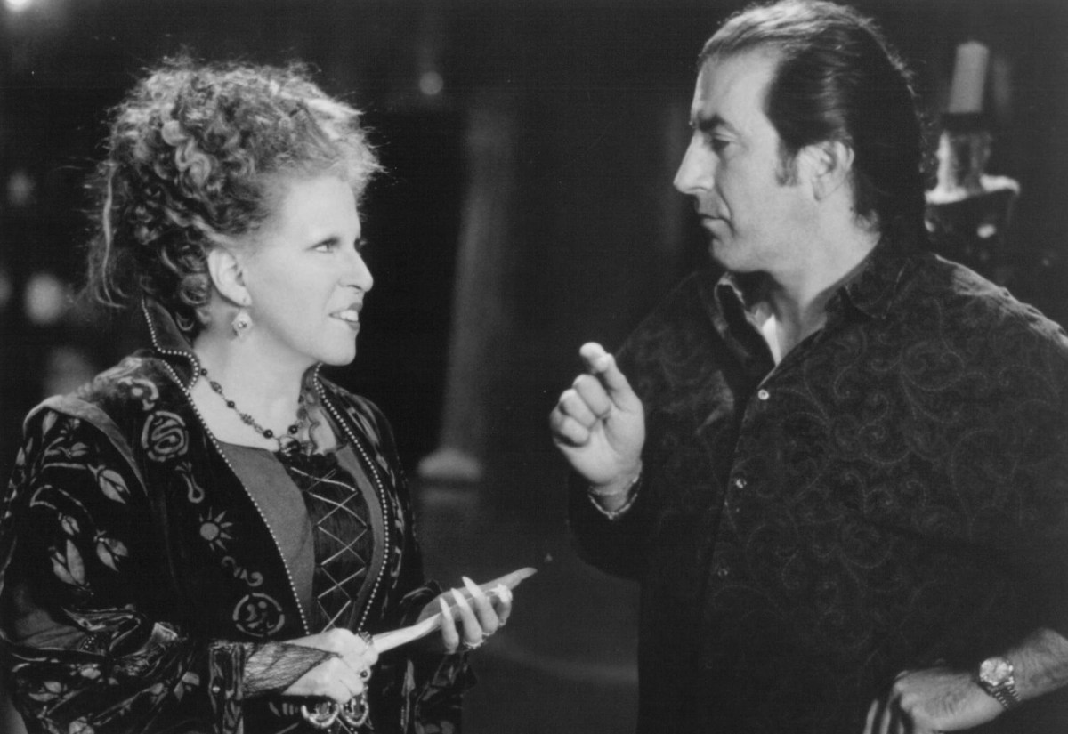 Bette Midler with Kenny Ortega : Hocus Pocus (1993) Behind the Scenes