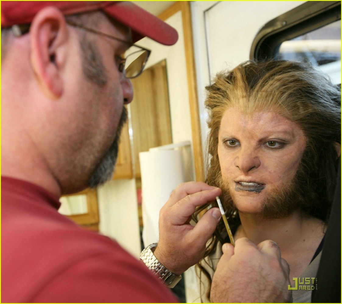 Behind the Scenes : The Boy Who Cried Werewolf (2010) Behind the Scenes