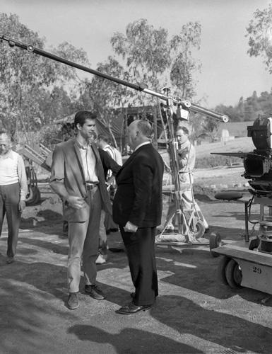 Behind The Camera : Anthony Perkins & Alfred Hitchcock Behind the Scenes