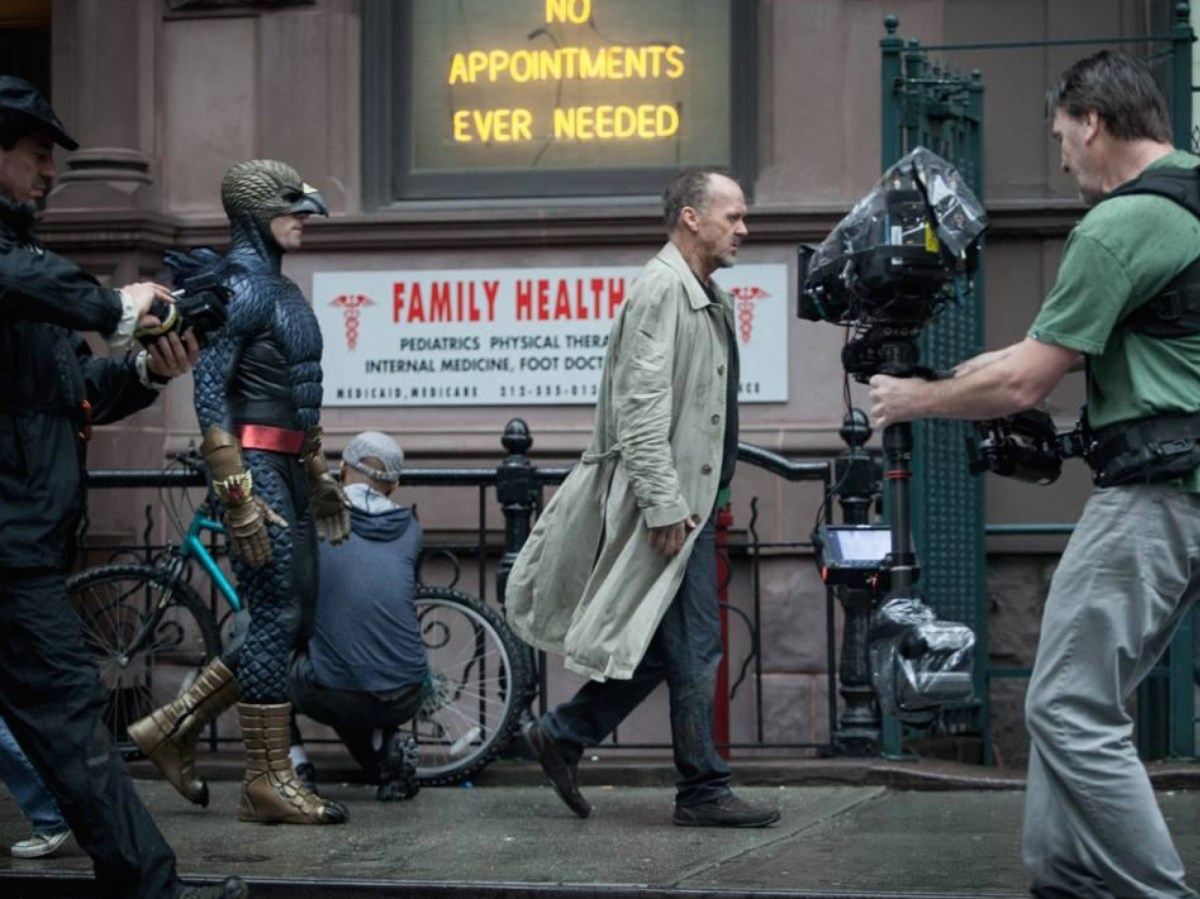 Benjamin Kanes with Michael Keaton : Birdman (2014) Behind the Scenes