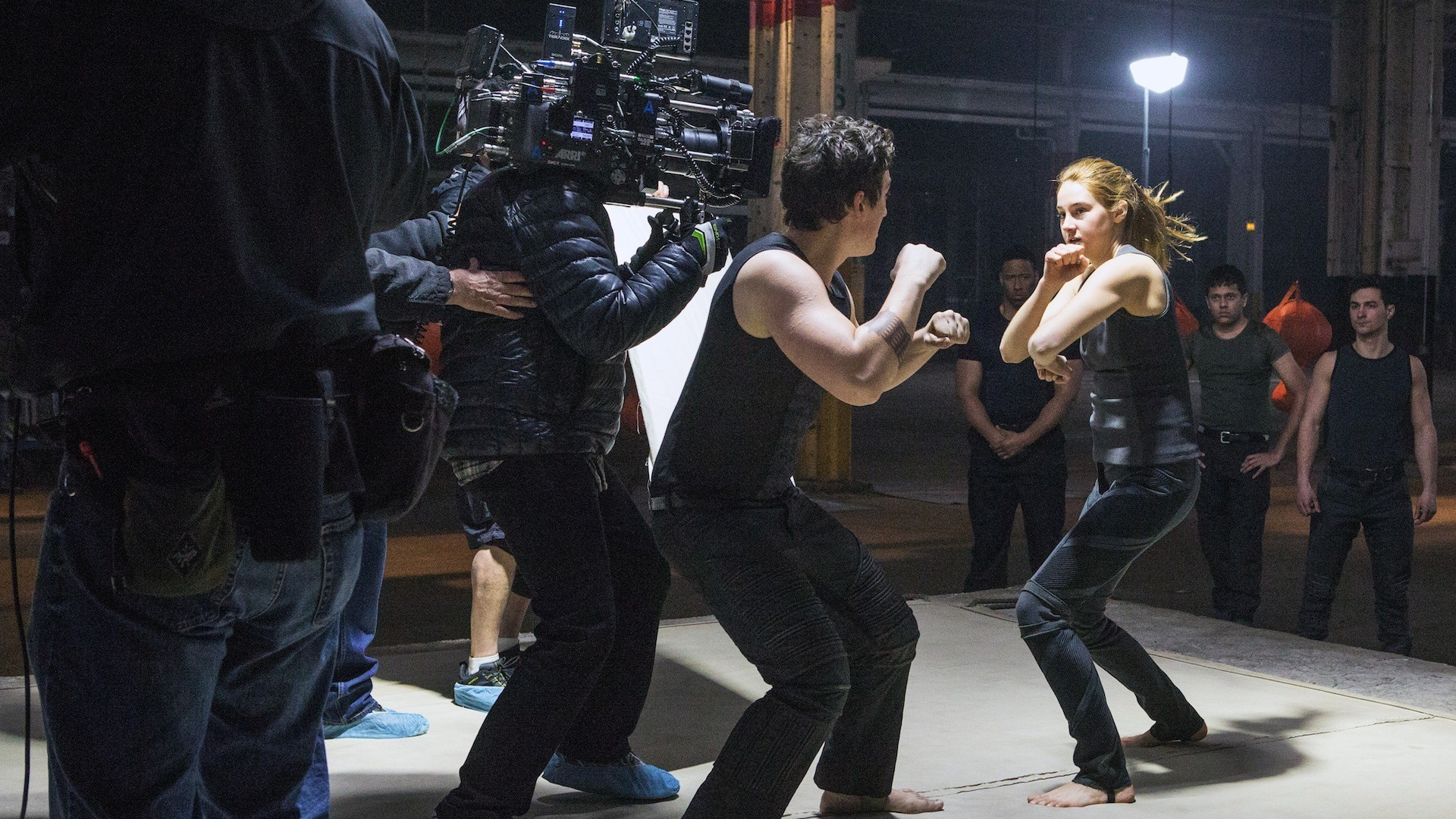 Shailene Woodley in Divergent (2014) Behind the Scenes