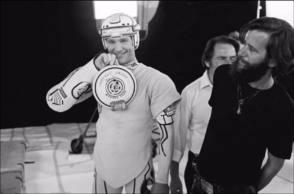 Jeff Bridges poses for a picture : Tron 1982 - Behind the Scenes photos