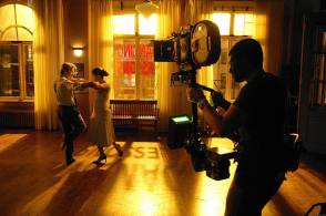 Shall We Dance ? : Jennifer Lopez with Richard Gere - Behind the Scenes photos