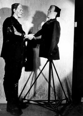 Shaking Hands : Frankenstein (1931) - Behind the Scenes photos