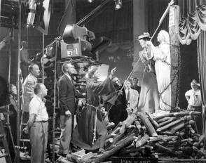 Shooting The Film House Of Wax (1953) - Behind the Scenes photos