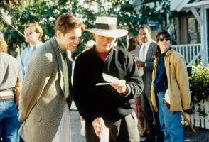 Jim Carrey and Peter Weir - Behind the Scenes photos