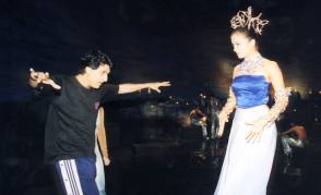 Aishwarya Rai During Dancing Rehearsals (1999) - Behind the Scenes photos