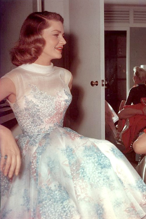 Lauren Bacall on the Set Behind the Scenes