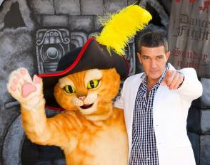 Antonio Banderas as Puss in Boots - Behind the Scenes photos