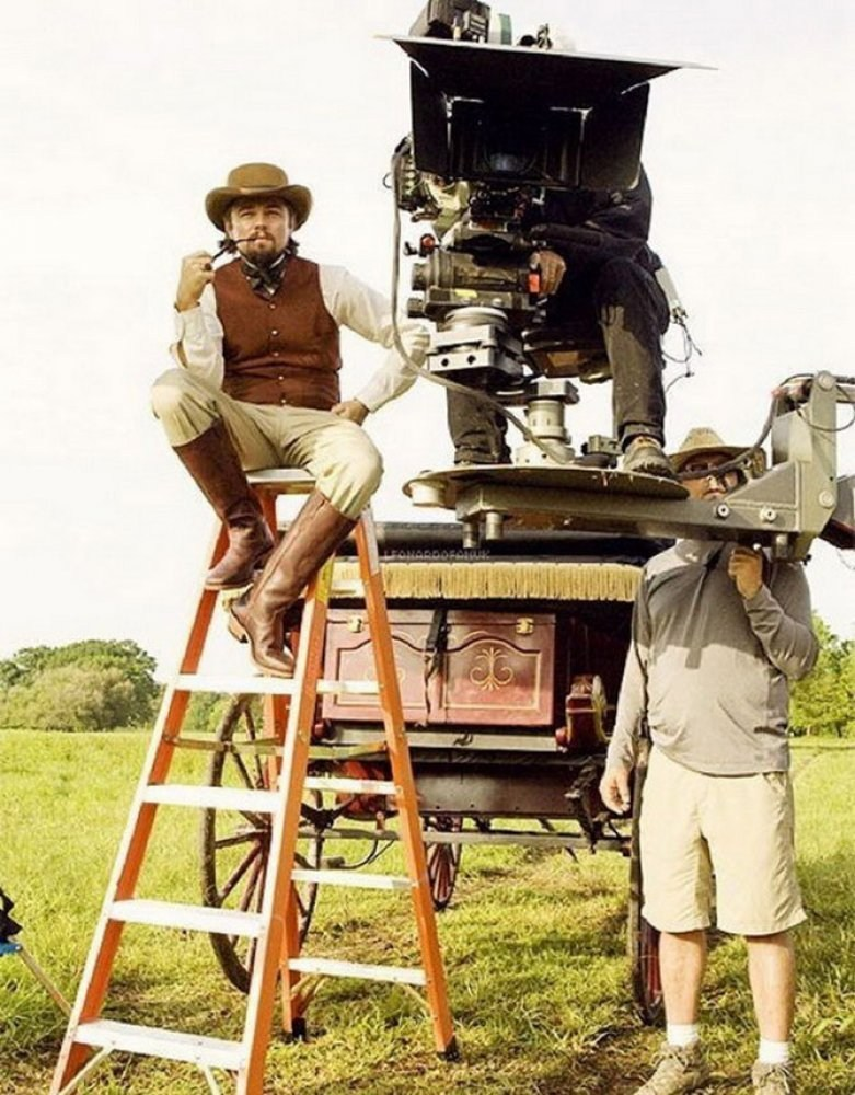Leo on the Ladder Behind the Scenes