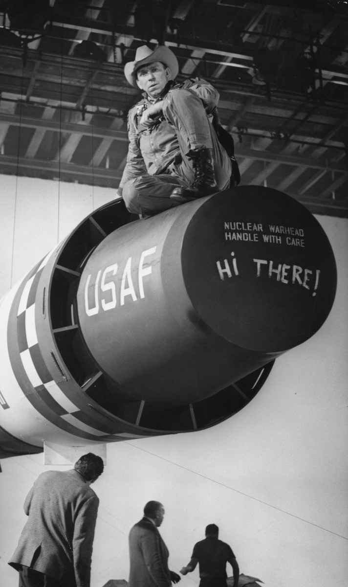 Nuclear Warhead, Handle with Care ! Behind the Scenes