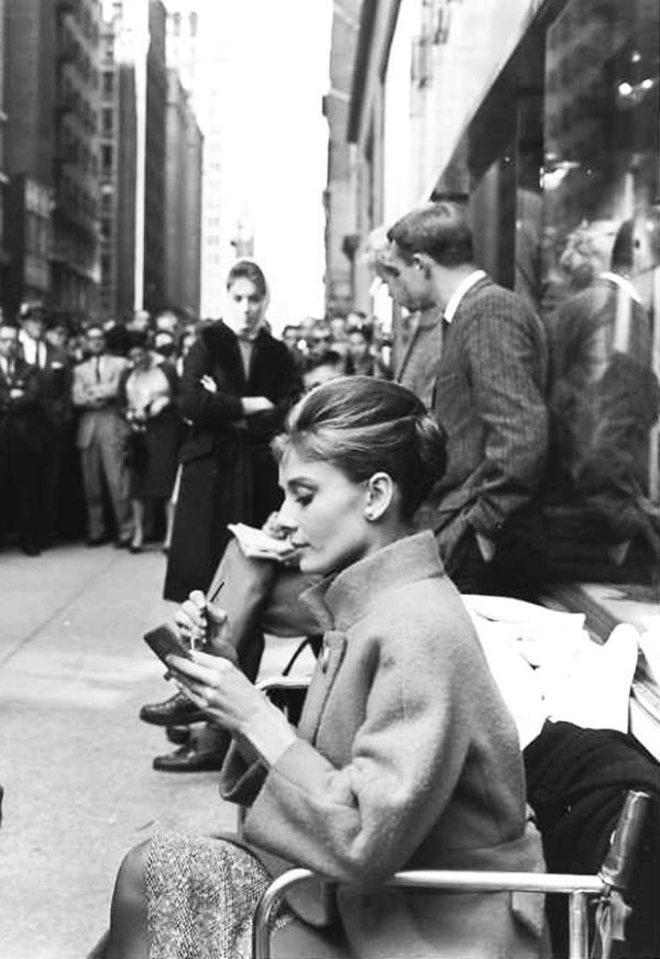 Breakfast at Tiffany&νm;8217;s Behind the Scenes Photos & Tech Specs