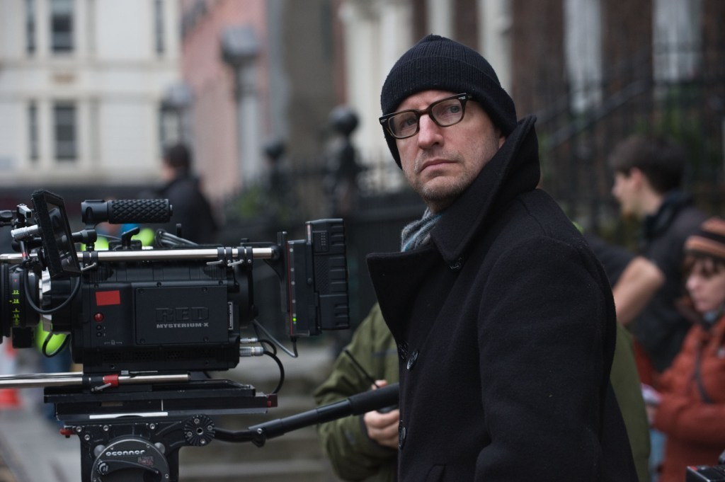 Steven Soderbergh Directs Behind the Scenes