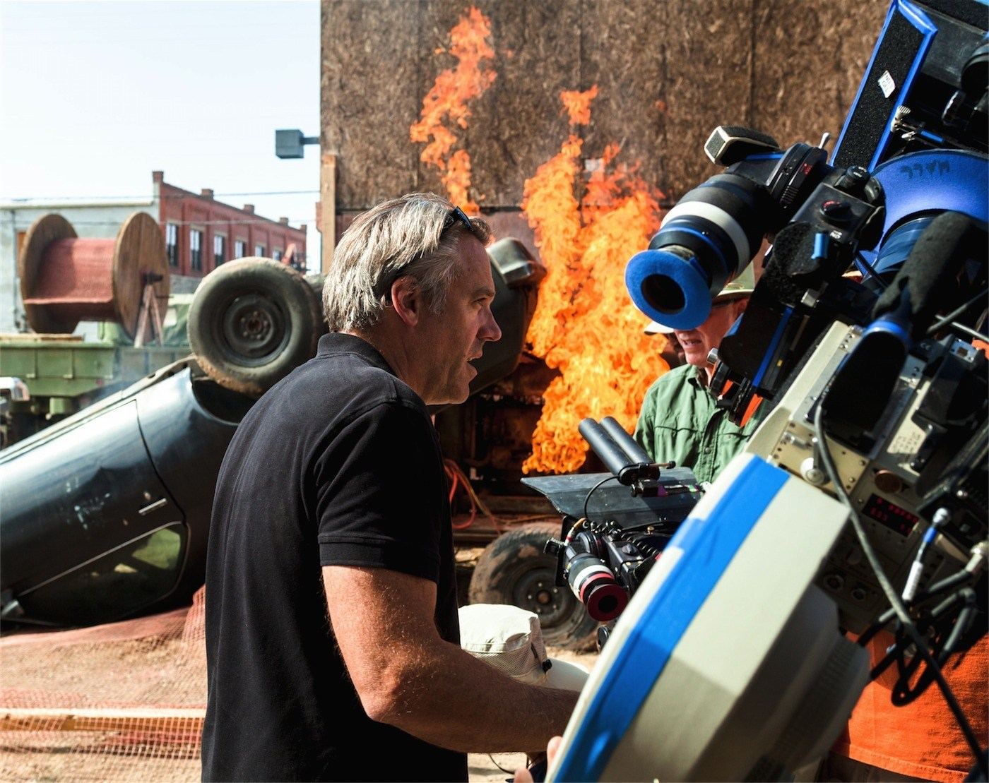 On Location : Transcendence (2014) Behind the Scenes