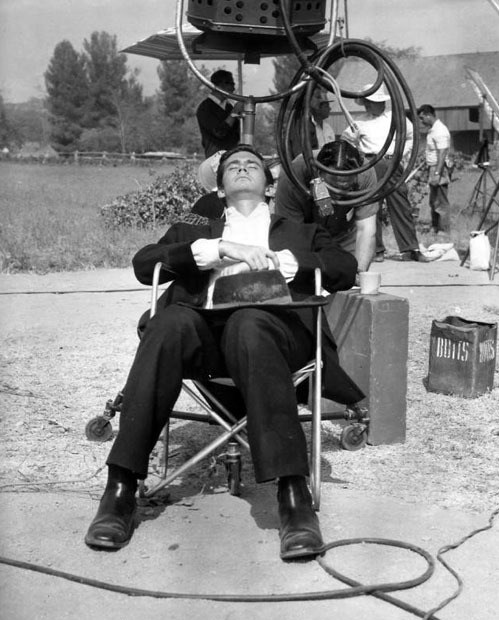 Anthony Perkins in Friendly Persuasion (1956) Behind the Scenes