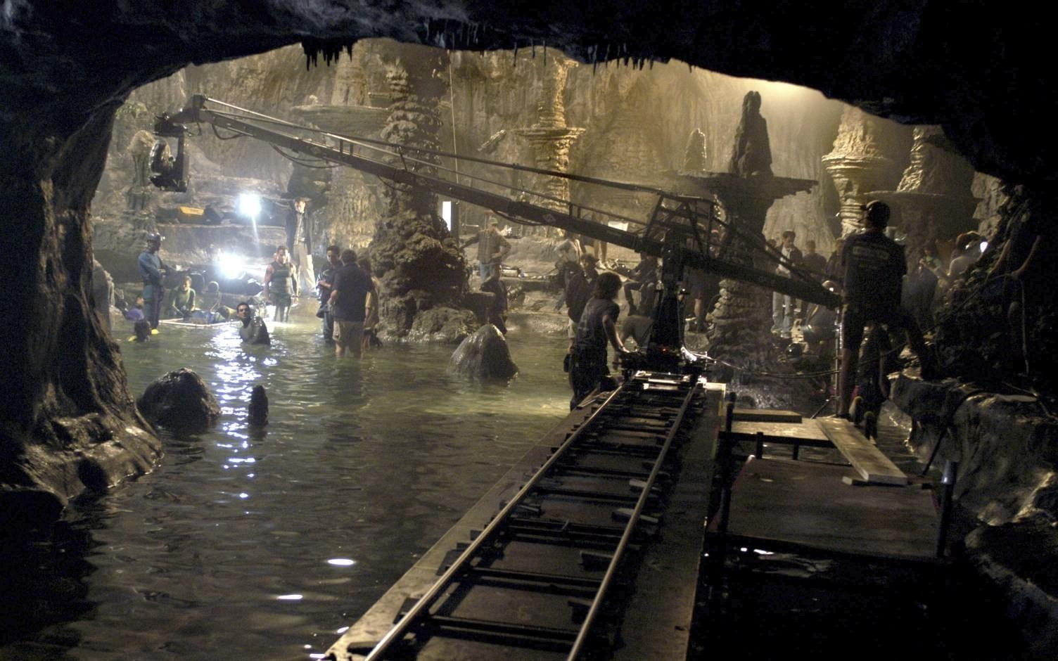 On Location : The Cave (2005) Behind the Scenes