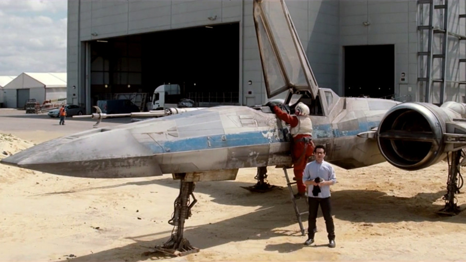Star Wars: The Force Awakens Behind the Scenes Photos & Tech Specs
