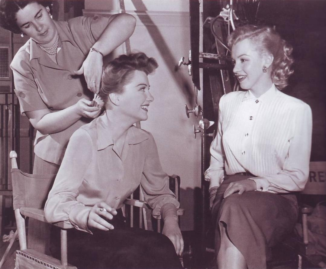 Anne and Marilyn Behind the Scenes