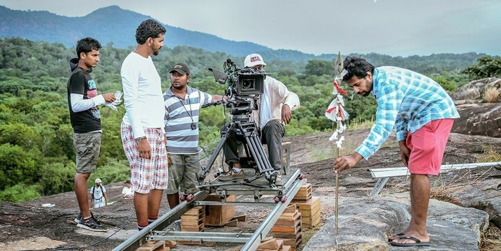 On Location : Paththini (2016) Behind the Scenes