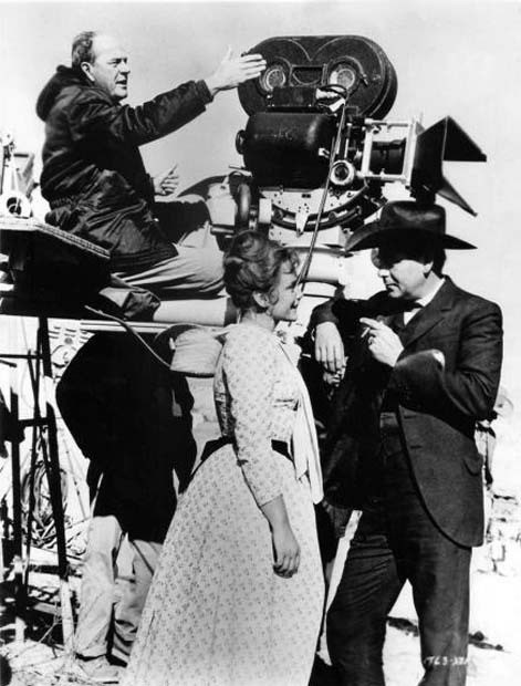 Anthony Mann Directs Behind the Scenes