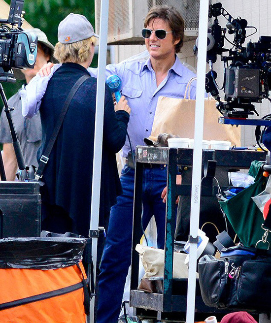 New Look of Tom Cruise Behind the Scenes