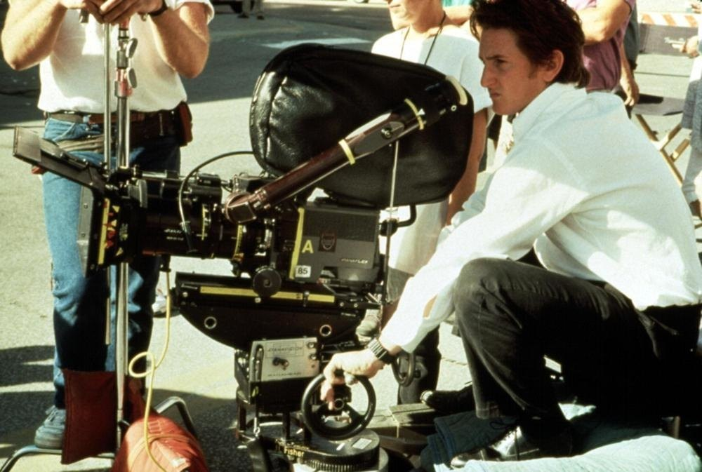 Sean Penn Directs Behind the Scenes