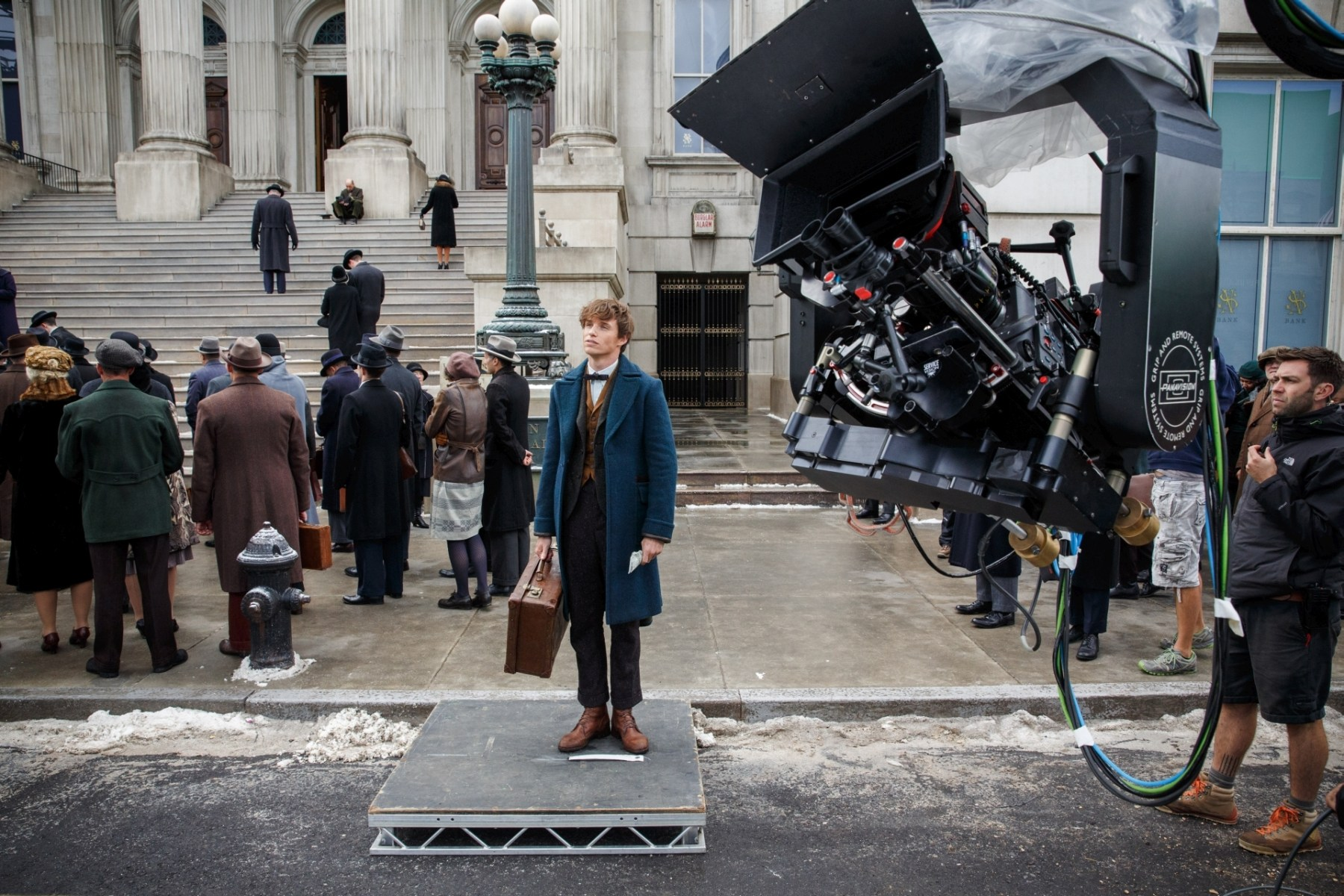 Eddie Redmayne as Newt Scamander Behind the Scenes