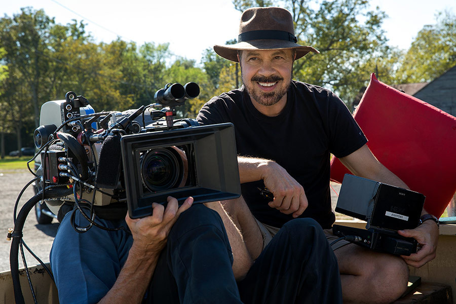 Edward Zwick Directs Behind the Scenes