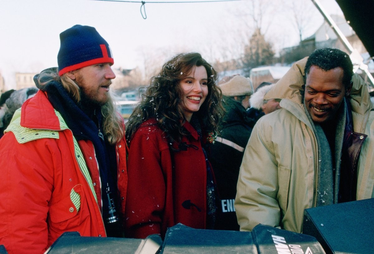 Smiling Queen Geena Davis Behind the Scenes