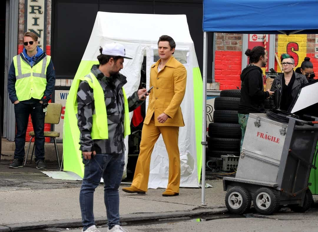 Michael In Yellow Behind the Scenes