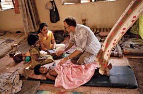 On Location : Slumdog Millionaire (2008) - Behind the Scenes photos