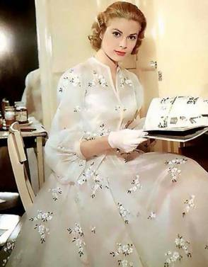 Beautiful Grace Kelly - Behind the Scenes photos