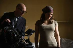 Soderbergh and Gina - Behind the Scenes photos