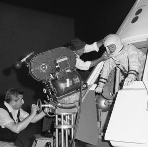 Larry Hagman as an Astronaut - Behind the Scenes photos