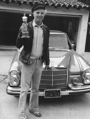 Haskell Wexler and His Oscar - Behind the Scenes photos