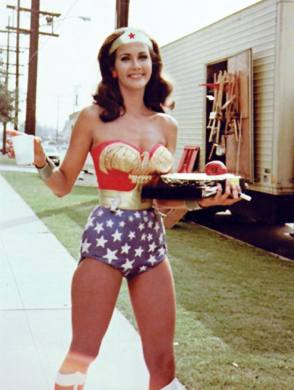 Lynda as Wonder Woman - Behind the Scenes photos