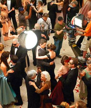 Bruce & Selina : Ball Scene - Behind the Scenes photos