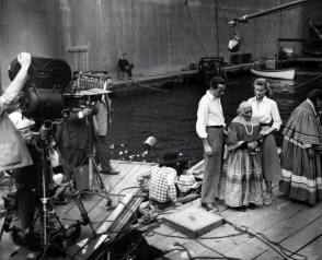 On Set of Key Largo (1948) - Behind the Scenes photos