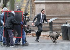 Keanu Reeves as Jonathan - Behind the Scenes photos