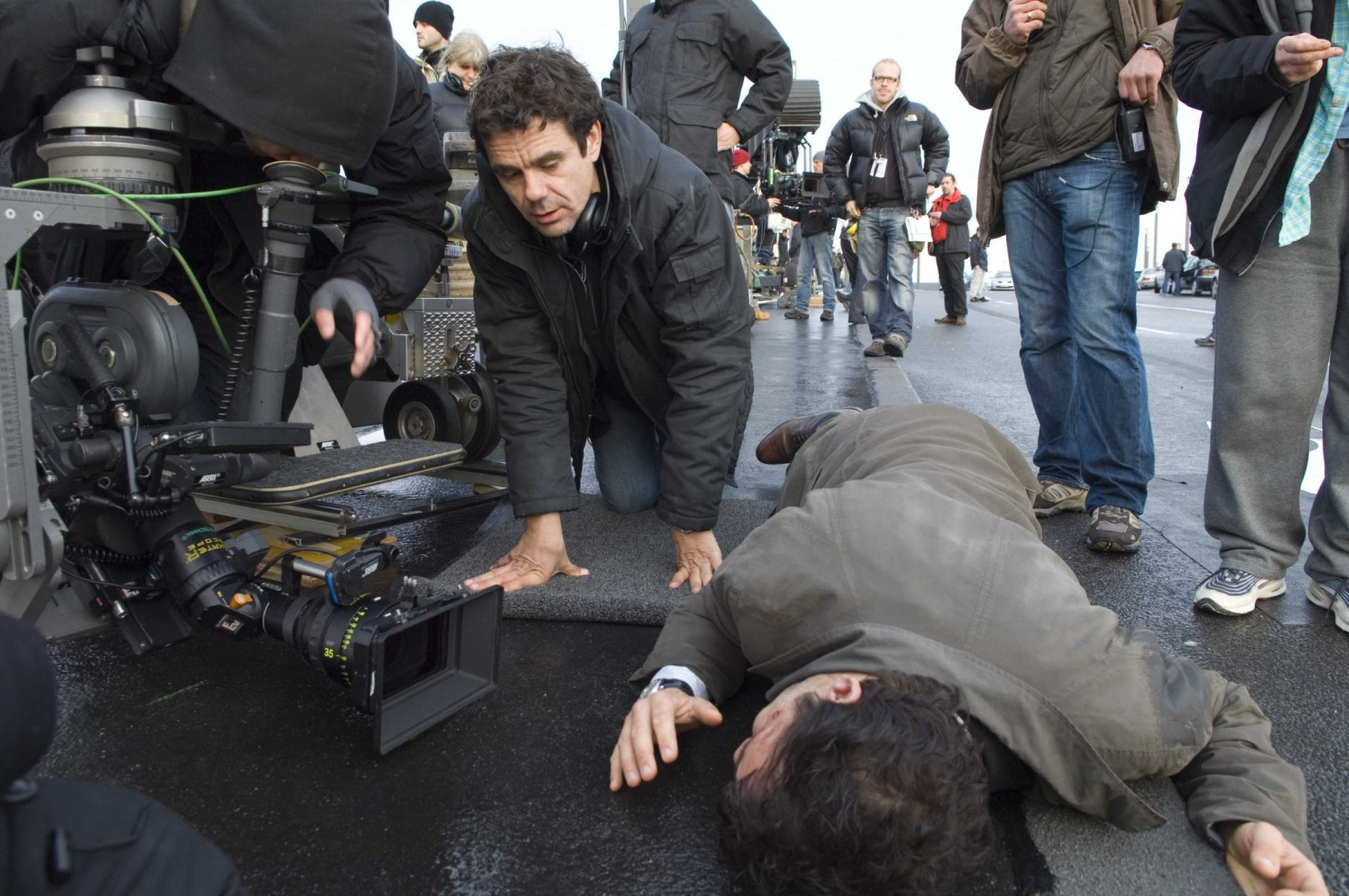 Filming The International (2009) Behind the Scenes