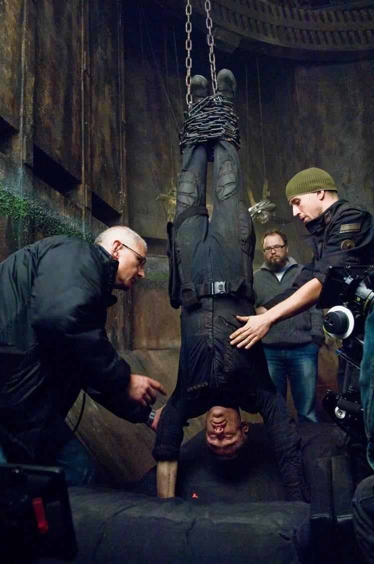 Pandorum (2009) : Hanging Man Upside Down Behind the Scenes
