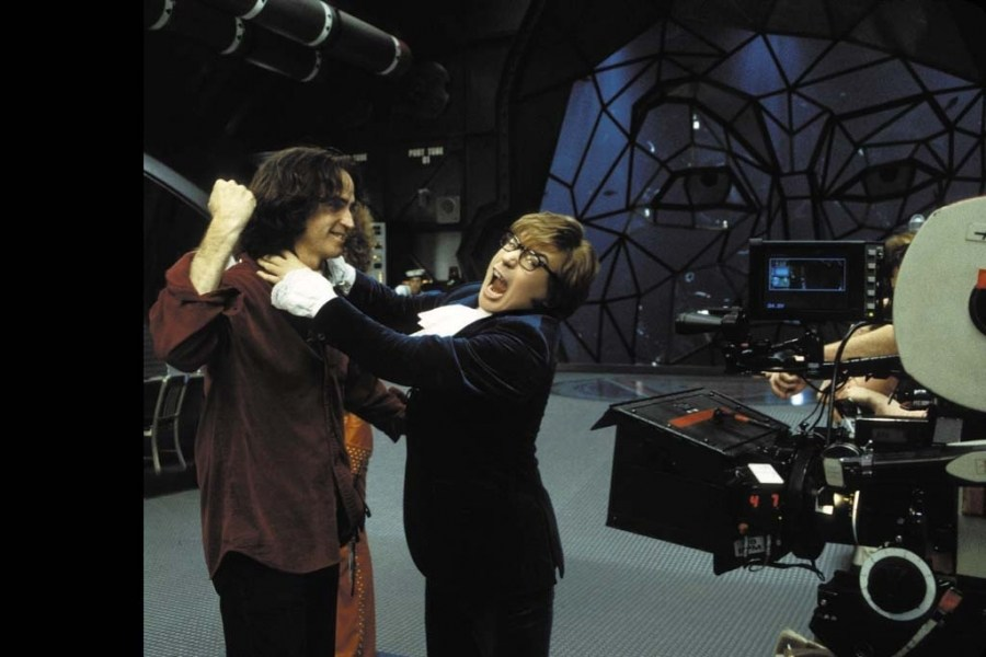 On Set of Austin Powers in Goldmember (2002) Behind the Scenes
