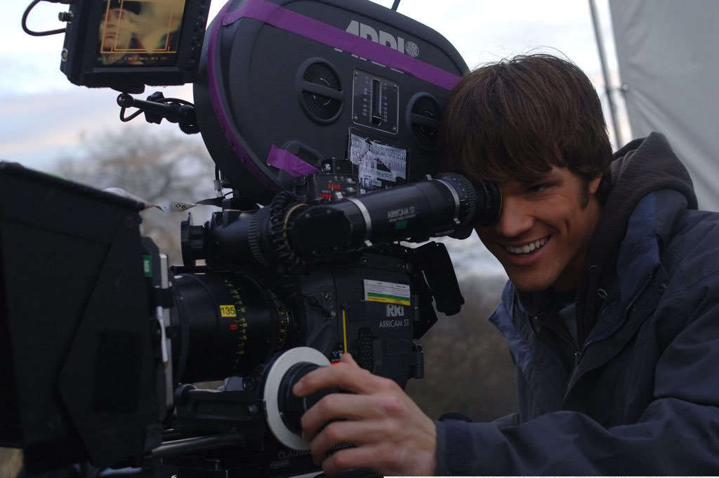 Beautiful Smile : Jared Padalecki Behind the Scenes