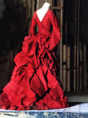 Mina's Red Gown : Bram Stoker's Dracula (1992) - Behind the Scenes photos