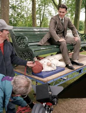 Filming Finding Neverland (2004) - Behind the Scenes photos