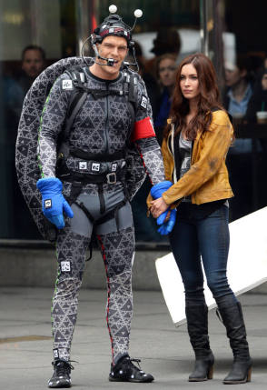 Megan Fox with a Ninja Turtle - Behind the Scenes photos