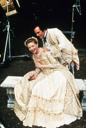 On Location : Dangerous Liaisons (1988) - Behind the Scenes photos